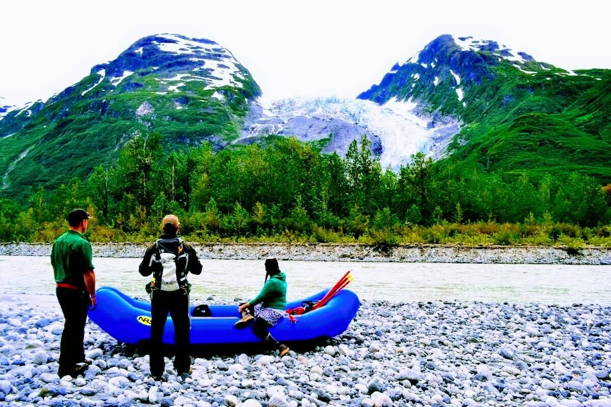 Alaska-Helicopter-Rafting